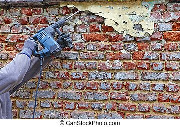 工人, 由于, 電, 錘子, 清掃, 紅色的磚牆