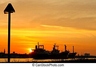 工業, 把畫成側面影像, 工廠, 傍晚, 船, 河