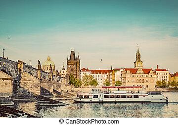 布拉格, 捷克人, republic., charles桥梁, 船, 巡航, 在上, vltava, river., 葡萄收获期