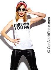 布, look., 情報通, 唇, beanie, ファッション, 魅力, 美しい, 高く, 若い, モデル, 女, 赤, カラフルである, 流行, サングラス