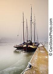 帆船, 上, a, 冷, 天, 在, 冬天