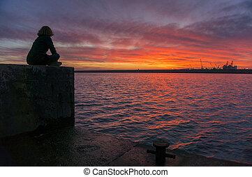 平和である, 日没