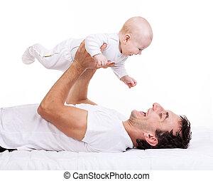 年輕人, 拿住嬰孩, 兒子, 當時, 躺在后面上