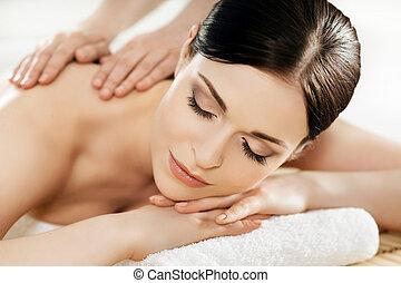 年輕和健康, 婦女, 在, 礦泉, salon., 傳統, 瑞典語, 按摩療法, 以及, 美麗, treatments.
