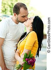 年輕夫婦, 在愛過程中, -, 在戶外