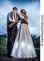 年輕夫婦, 站立, 所作, the, 湖, 在公園