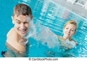 年輕夫婦, 飛濺, 在, the, 池