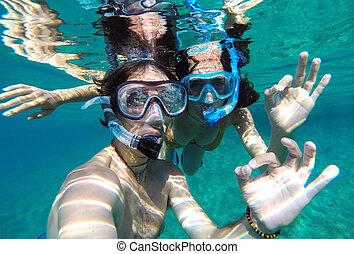 年輕夫婦, snorkeling, 在, the, 蜜月