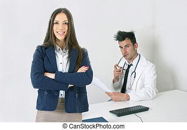 年輕婦女, 在, a, 醫生的辦公室