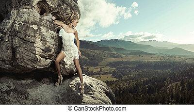 年輕的女士, 矯柔造作, 在, 山