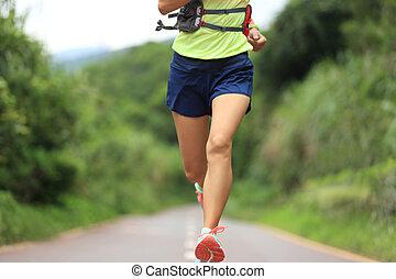 年輕, 健身, 婦女, 形跡, 賽跑的人, 跑, 上, 形跡