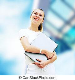 年輕, 愉快的 婦女, 或者, 學生, 由于, 膝上型, 上, the, 事務, 背景