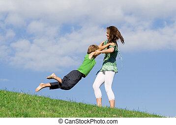 年輕, 母親玩, 在戶外, 跟孩子一起, 在, 夏天