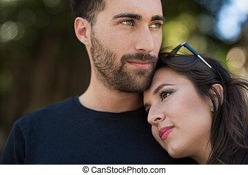 年輕, 沉思, 夫婦, 擁抱, 一起