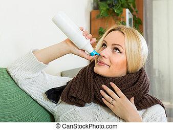 年輕, 白膚金髮, 由于, 鼻的水霧
