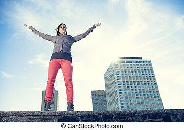 年輕, 美麗, 矯柔造作, 在上方, 城市, 背景