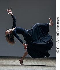 年輕, 美麗, 舞蹈演員, 是, 矯柔造作, 在, 工作室