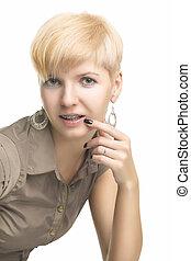 年輕, 高加索人, 婦女, 顯示, 她, 牙齒, 括起來
