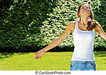 年轻, 笑, 女孩, 在公园