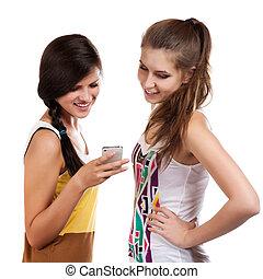 年轻, 美丽的女孩, 使用, the, cellphone, 对于, 送, 同时,, 收到, sms
