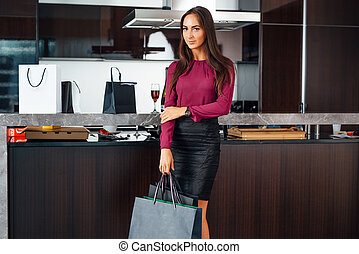 年轻, 袋子, 充足长度, 肖像, 厨房, 购物, 站, 妇女, 时尚