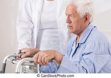 年配, 患者, ∥で∥, 歩くこと, 問題