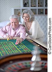 年長の カップル, ∥で∥, カジノチップ