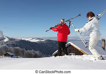 年長の カップル, スキー休暇