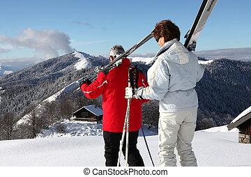 年長の カップル, スキー