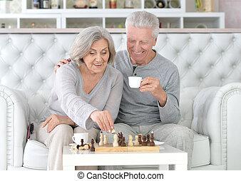 年長の カップル, チェス, 遊び