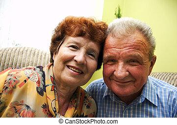 年長の カップル, 微笑した, 幸せ