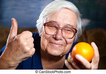 年長の 女性, 成果