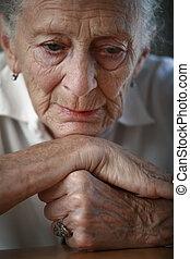 年長の 女性, pondering., クローズアップ, 浅い, dof, フォーカス, 上に, eyes.