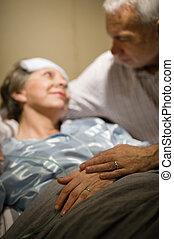 年長的夫婦, 扣留手, 在, 門診部, 沃德