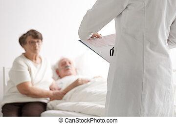 年長的夫婦, 談話, 由于, 醫生