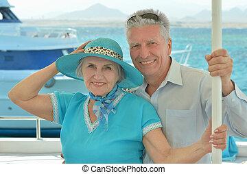 年長的夫婦, 騎, 在, 小船, 上, 海