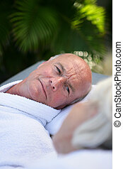 年長 人, 弛緩, プールサイド