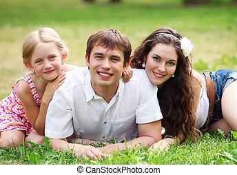 幸せな家族, 楽しい時を 過すこと, 屋外で