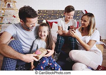 幸せな クリスマス, 家族の 時間