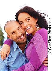 幸せに微笑する, 中年, 屋外のカップル