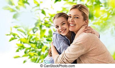 幸せに微笑する, 娘, 抱き合う, 母
