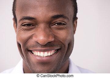 幸せ, アフリカの家系, men., 肖像画, の, 朗らかである, アフリカの家系, 男性, 微笑, カメラにおいて
