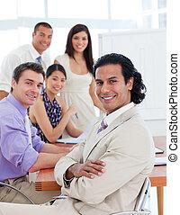 幸せ, ビジネス チーム, モデル, 中に, オフィス