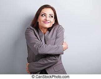 幸せ, ビジネス 女, 抱き合う, 彼女自身, ∥で∥, 自然, 感情的, 楽しむ, 顔, そして, 考え,...