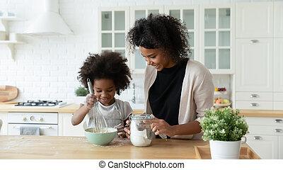幸せ, 一緒に, 焼きなさい, 台所, 娘, biracial, お母さん
