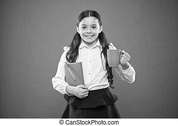 幸せ, 壊れなさい, 学校の 女の子, 暑い, バックグラウンド。, カップ, 持つこと, 小さい, かわいい, 彼女, 楽しむ, 女生徒, 飲みなさい, book., オレンジ, 子供, breakfast., メモ, depends, すべて, 幸福, 微笑