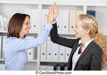 幸せ, 女性実業家, fiving, 高い 5
