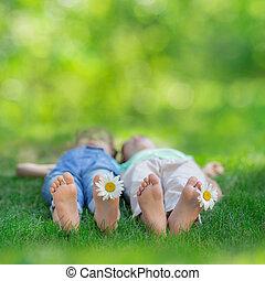 幸せ, 子供たちが遊ぶ, 屋外で