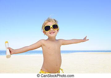 幸せ, 子供, サングラス, ローションを 日焼けしなさい