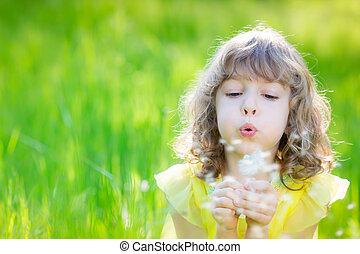 幸せ, 子供, 吹く, タンポポ, 花, 屋外で